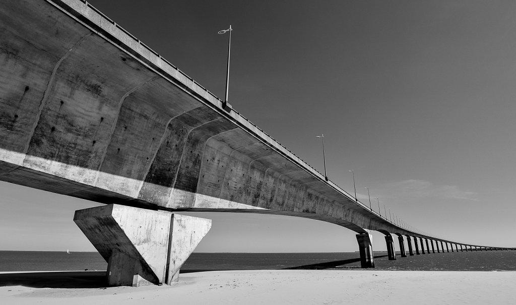 Pont-de-Re-1-sur-1R.jpg