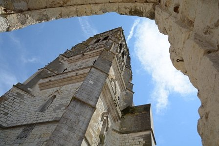 Corinne-cathedrale-ss-arche.JPG